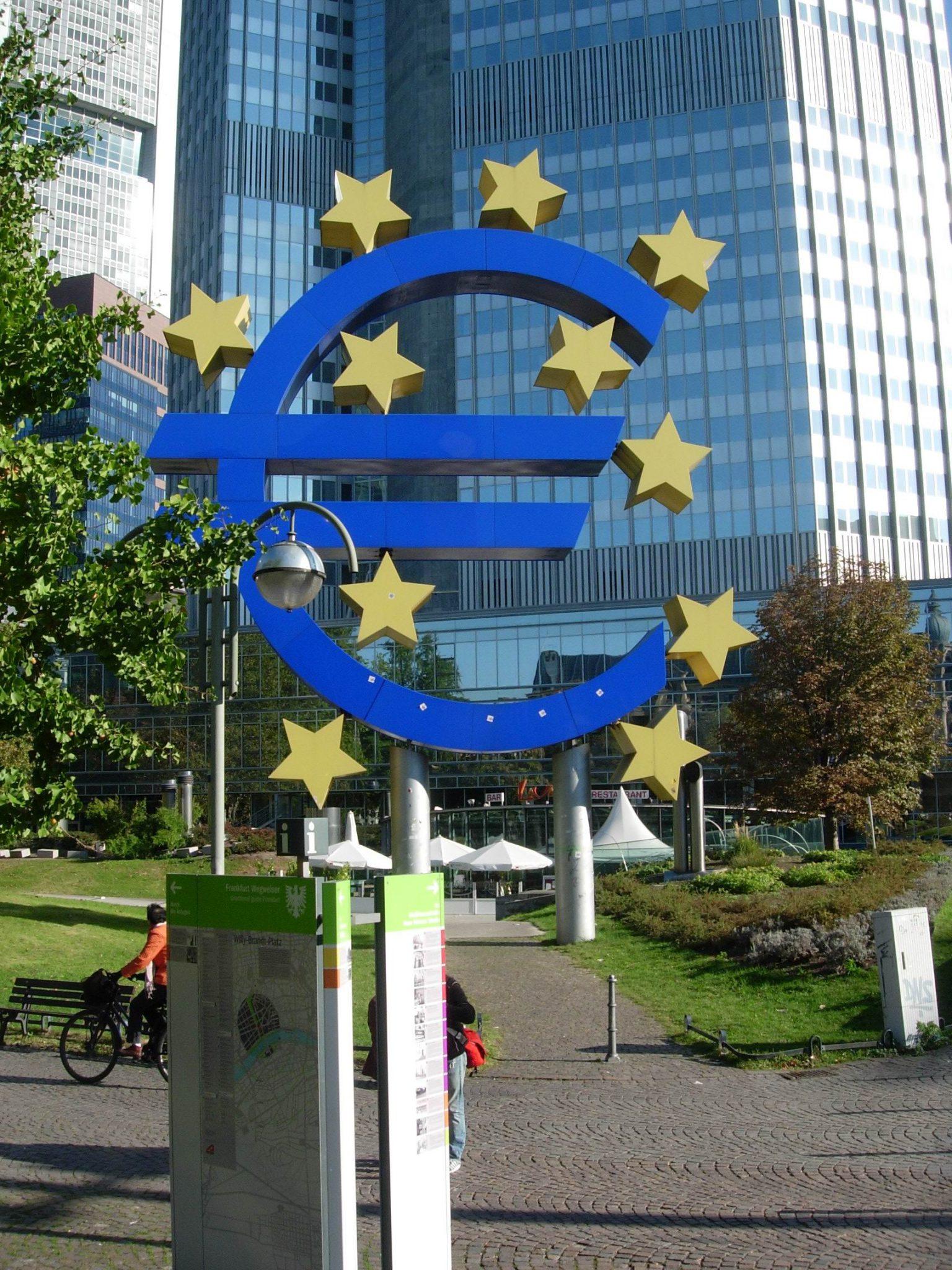 Euro-Symbol 151011
